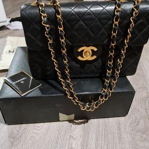 Vintage Chanel Jumbo XL